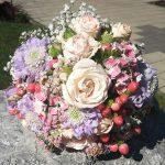 Grünwerkstatt Brautstrauß rosa weiß lila